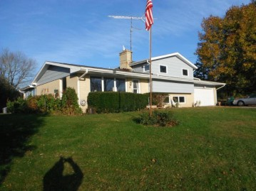 N2293 Clover Rd, Bloomfield, WI 53147-4455