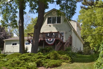125 Riverside Dr, Waterford, WI 53185-4029