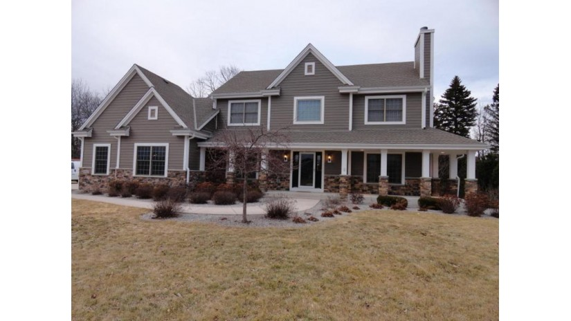 6922 S Harvard Dr Franklin, WI 53132-2048 by North Shore Homes, Inc. $499,900