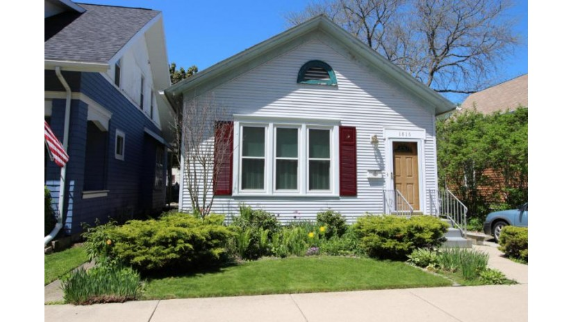 1816 Park AVE Racine, WI 53403-2763 by Re/Max Newport Elite $94,900