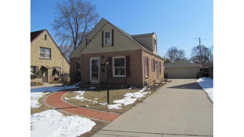 542 N 107th St Wauwatosa, WI 53226-4231 by Minette Realty, Llc $249,900