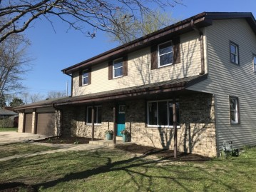 8474 S Burrell St, Oak Creek, WI 53154-3206