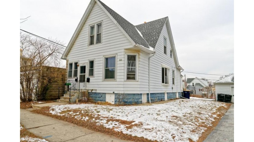 5848 W Washington ST West Allis, WI 53214-3360 by Benefit Realty $119,900