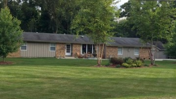 23423 Church Rd, Dover, WI 53139-5313