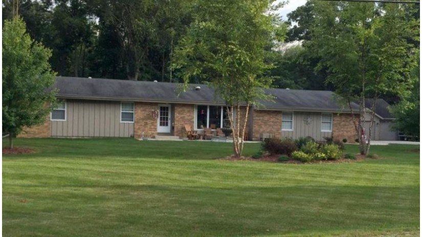 23423 Church Rd Dover, WI 53139-5313 by Re/Max Newport Elite $339,000