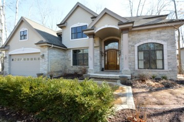 5653 Island View Ct, Waterford, WI 53185-3052