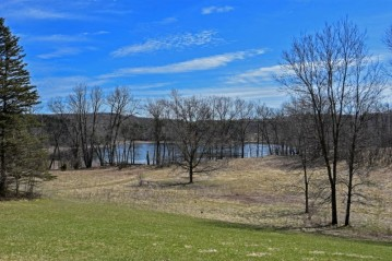 5760 Monches Rd, Erin, WI 53017-9715