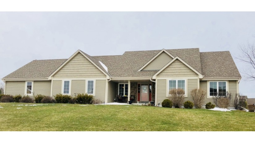 12300 W Shadwell Cir Franklin, WI 53132-2066 by Shorewest Realtors $420,000
