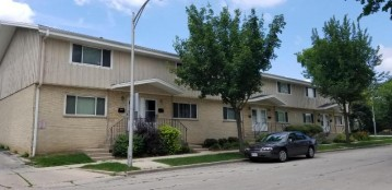 4209 W Good Hope Rd, Milwaukee, WI 53209-2249