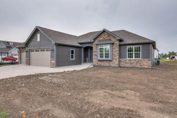 7761 Williamsburg CT, Bristol, WI 53104-8729