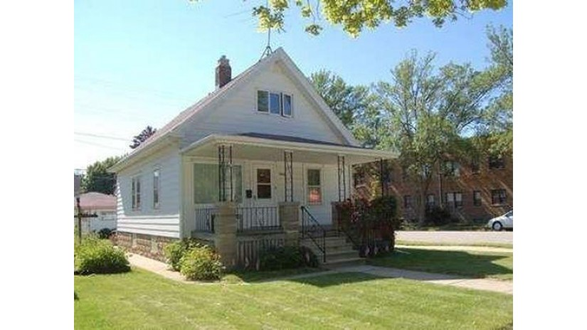 5245 S Lake Dr Cudahy, WI 53110-2038 by Smart Asset Realty Inc $115,000