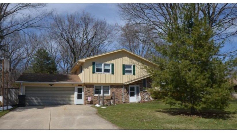 12950 W Park Ave New Berlin, WI 53151-2671 by Sherry & Jerry Kampa - Your Home Team, Llc $269,900