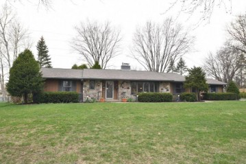 11433 N Tower LN, Mequon, WI 53097-3253