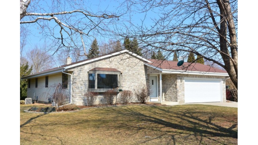 6041 Holly Ln Trenton, WI 53095-5122 by Shorewest Realtors $259,900