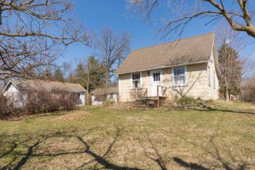 N1488 Orchid Dr, Bloomfield, WI 53128