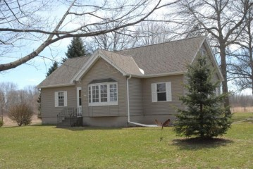 2307 E Oakwood Rd, Oak Creek, WI 53154