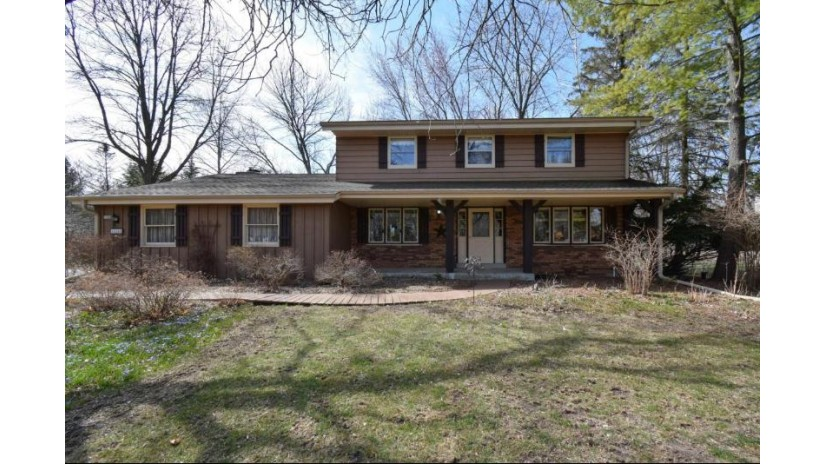 5339 W Westfield Rd Mequon, WI 53092 by Mierow Realty $329,900