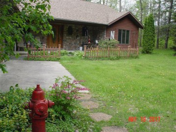 N7555 Hoffman Ln, Red Springs, WI 54128-8991