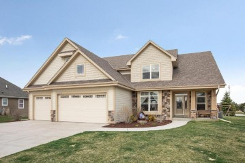 W146S7788 Stags Leap Ct, Muskego, WI 53150-7958