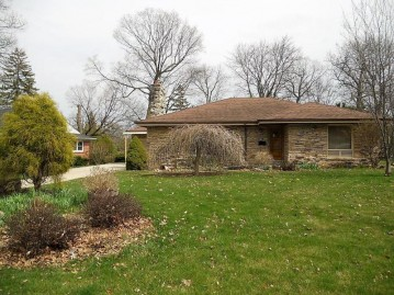 5173 W Jerelyn Pl, Milwaukee, WI 53219-3254