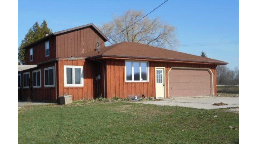 10501 Middle Rd Cato, WI 54220-9202 by Prigge Real Estate $148,000