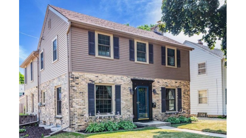 5578 N Shoreland AVE Whitefish Bay, WI 53217-5157 by Keller Williams Realty-Milwaukee North Shore $579,900
