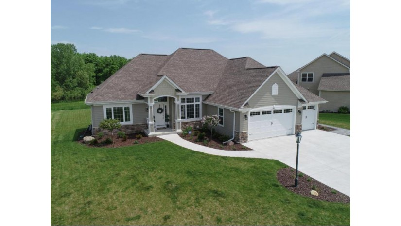 9210 S Wild Berry Way Franklin, WI 53132-2297 by Re/Max Realty Center $539,900