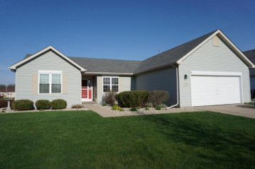 263 Stonefield Dr, Lake Mills, WI 53551-1965