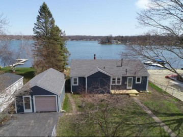 808 Rosebud Ave, Twin Lakes, WI 53181-9779