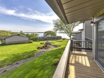 1070 S Lake Shore Dr 4 2-B, Lake Geneva, WI 53147