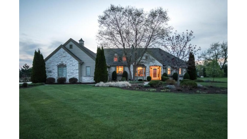 8543 S Parkland DR Franklin, WI 53132-8262 by First Weber Inc - Brookfield $544,900