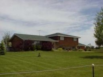 N6928 County Road O, Sugar Creek, WI 53121-2826