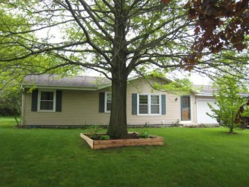 306 Schroeder Ave, Eagle, WI 53119-1466
