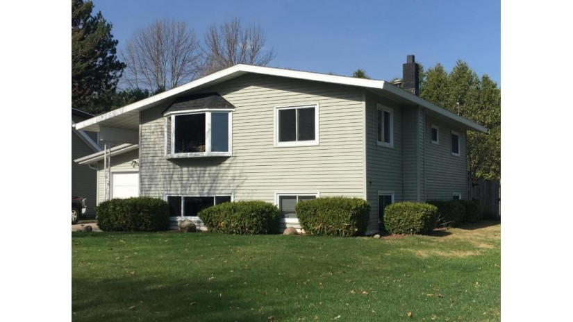 3709 16th ST Menominee, MI 49858 by Broadway Real Estate $164,900