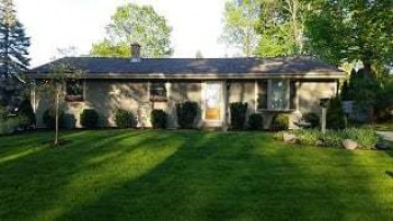 6100 River Trail DR, Milwaukee, WI 53225-1030