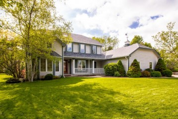 W192S6797 Bluegrass Dr, Muskego, WI 53150-8545