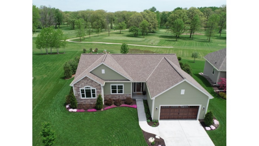 W177N11586 Blackstone Cir Germantown, WI 53022-5651 by Shorewest Realtors $396,250