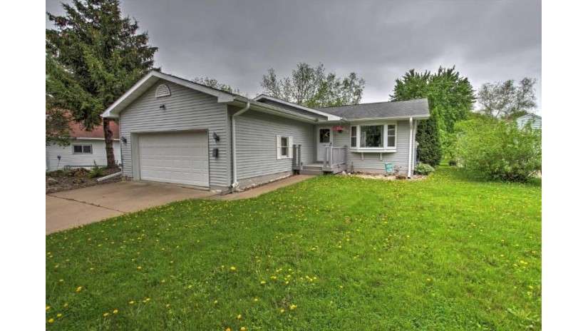 415 E Hickory ST Viroqua, WI 54665-2017 by New Directions Real Estate $179,000