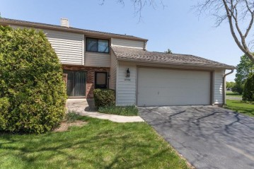 11004 N Balsam Tree Ct, Mequon, WI 53092-4328