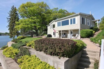 305 Indian Point Rd, Twin Lakes, WI 53181-9777