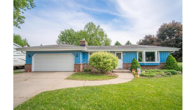 3269 Central Ave East Troy, WI 53120-1136 by Exsell Real Estate Experts Llc $235,000
