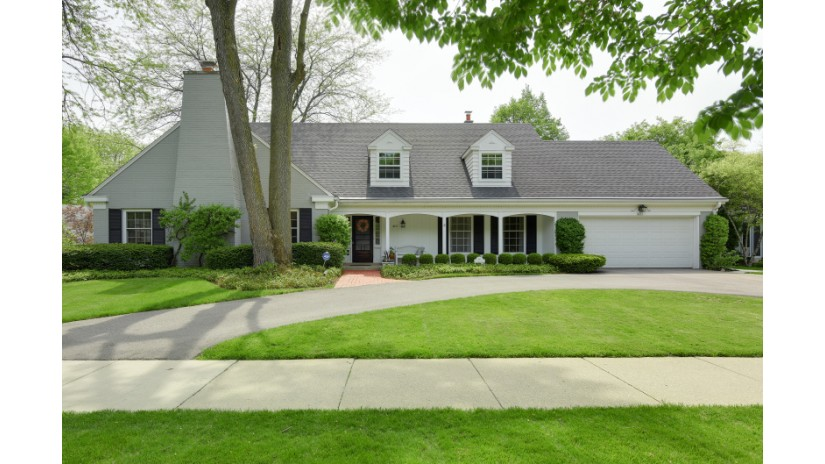 4611 N Lake DR Whitefish Bay, WI 53211-1255 by Shorewest Realtors $734,900