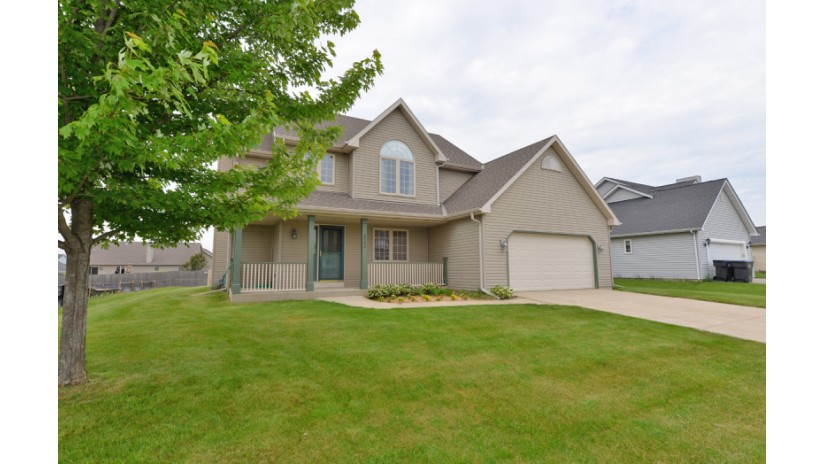 3724 Contessa Ct Sturtevant, WI 53177-2962 by Shorewest Realtors $274,000