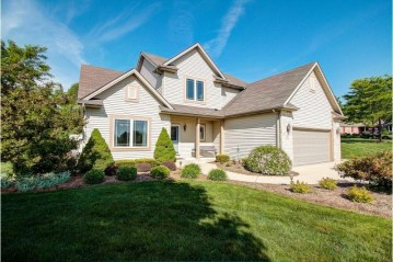 W169S7949 Sarah Ct, Muskego, WI 53150