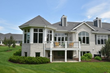 845 Lake Rd D, Brookfield, WI 53005-5722