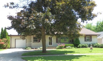 444 S Washington St, Waterloo, WI 53594-1447