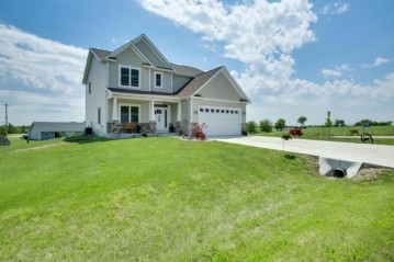 349 Homestead Dr, Twin Lakes, WI 53181-9806