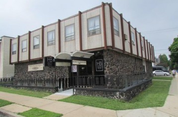 6900 W Lincoln Ave, West Allis, WI 53219-1972