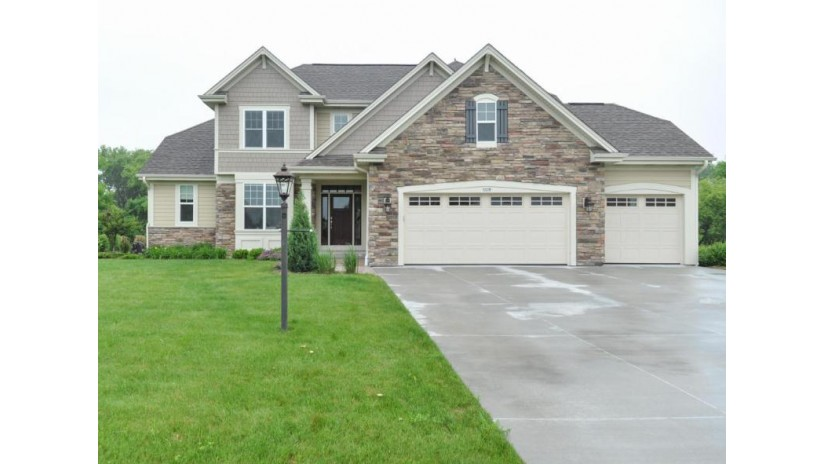 7278 W Avian Ct Franklin, WI 53132-8047 by Foundations Realty Group Llc $499,900
