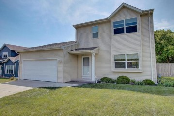 4333 S 51st St, Greenfield, WI 53220-3503
